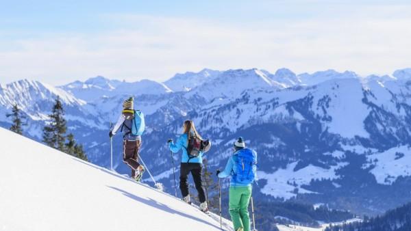 Skitour zum Hochhäderich Ein Skivergnügen abseits des Trubels auf den Pisten im Skigebiet - eine Skitour zum Aussichtsgi