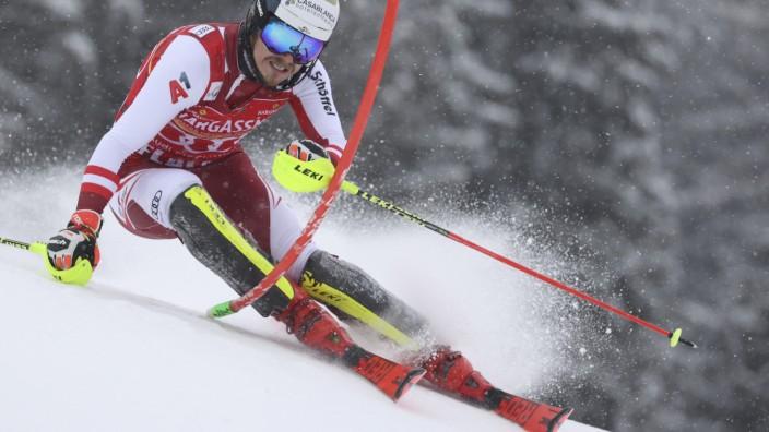 """Ski alpin: Manuel Feller fährt auf der """"Märchenwiese"""" in Flachau zu seinem ersten Weltcup-Sieg."""