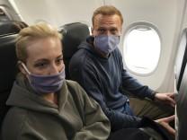 Reaktionen auf Nawalny-Festnahme: EU-Ratspräsident und US-Regierung fordern Nawalnys sofortige Freilassung