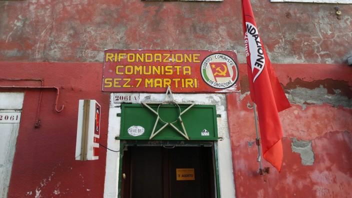 Venedig Italien 05 01 2017 Der Eingang zum Büro der kommunistischen Partei in Venedig *** Venice I