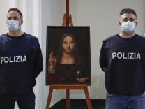 """Salvator Mundi"": Gestohlene Leonardo-Kopie aufgefunden"