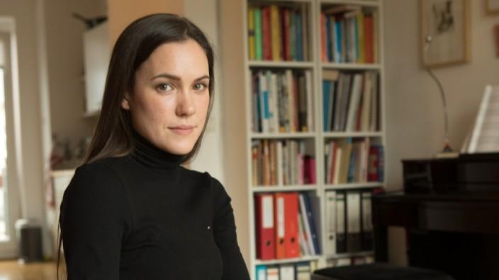 junge Schauspielerin und Modedesignerin Carina Diesing
