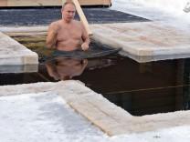 Fitness: Klitschko und Putin gehen baden