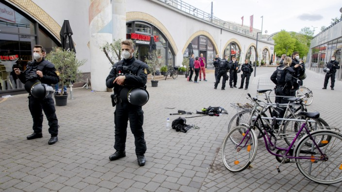 1. Mai in Berlin - Übergriff auf Kamerateam