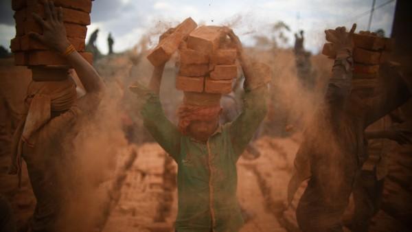 Schwerstarbeit in Nepal