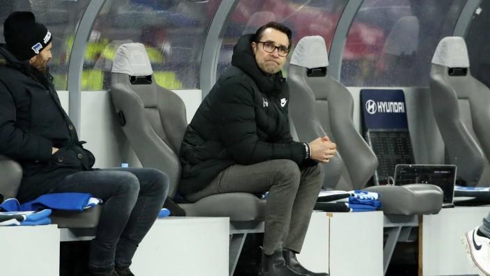 Manager Michael Preetz / Mimik unzufrieden enttäuscht / Geisterspiel Corona / / Fußball Fussball / DFL Bundesliga Herren