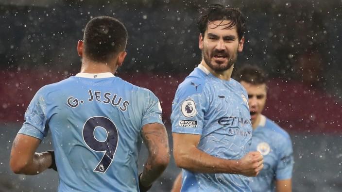 Premier League - Manchester City v Aston Villa