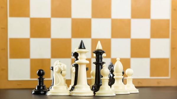 Chess figures Copyright: xNomadSoulx Panthermedia28092920