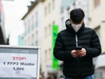 Coronavirus-Newsblog für Bayern: Sechs Klagen gegen FFP2-Maskenpflicht