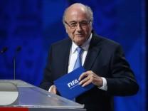 ST. PETERSBURG, RUSSIA. JULY 25, 2015. FIFA president Josef (Sepp) Blatter (L) at the 2018 FIFA World Cup WM Weltmeiste