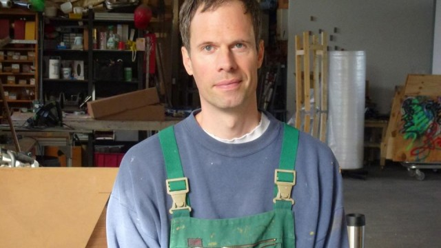 Press photo of Gereon Krebber, artist, vaccination center