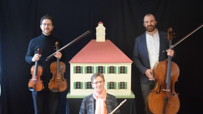 Trio Kiefl, Adelaide Kiefl (Querflöte), Martin Kiefl (Violine /Viola) und Gabriel Kiefl (Violoncello)