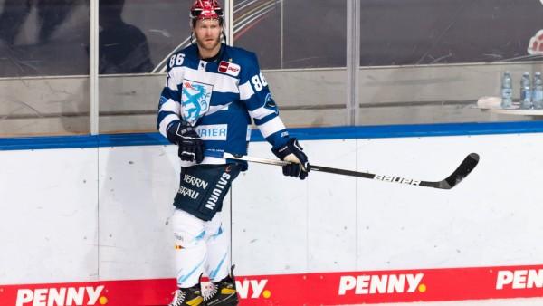 Daniel Pietta (ERC Ingolstadt Panther) beim Warmup EHC Red Bull Muenchen gegen ERC Ingolstadt Panther, Eishockey, DEL, 1