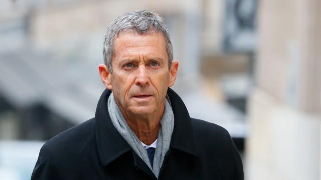 FILE PHOTO: Israeli billionaire Beny Steinmetz arrives to a courthouse, in Geneva