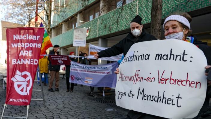Mahnwache anlässlich des Inkrafttretens des Atomwaffenverbotsvertrags