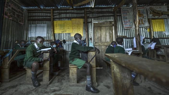 Schüler Kenia Corona