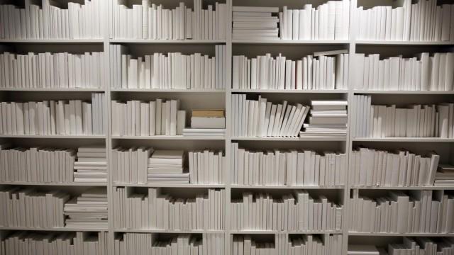 13.04.2017, Aelmhult, Kronobergs laen, SWE - Billy-Regale im IKEA-Museum. (Aelmhult, Ausstellung, Belletristik, Bibliot