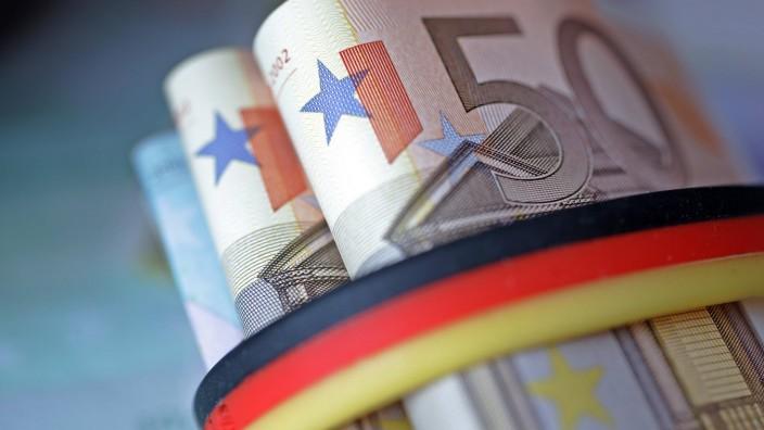 Euro Geldscheine mit schwarz rot goldener Banderole Berlin 23 01 2006 Berlin Deutschland PUBLI