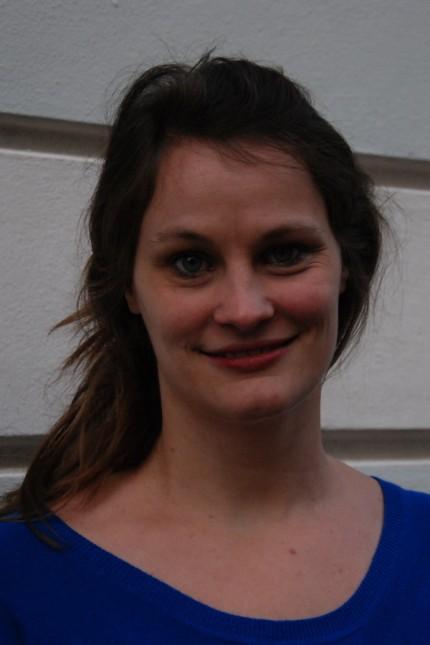 """SZ-Serie: Bühne? Frei!: Nora Zapf ist Lyrikerin und Übersetzerin sowie Organisatorin der Reihe """"meine drei lyrischen ichs"""". Für ihr lyrisches Werk erhielt sie 2019 den Bayerischen Kunstförderpreis."""