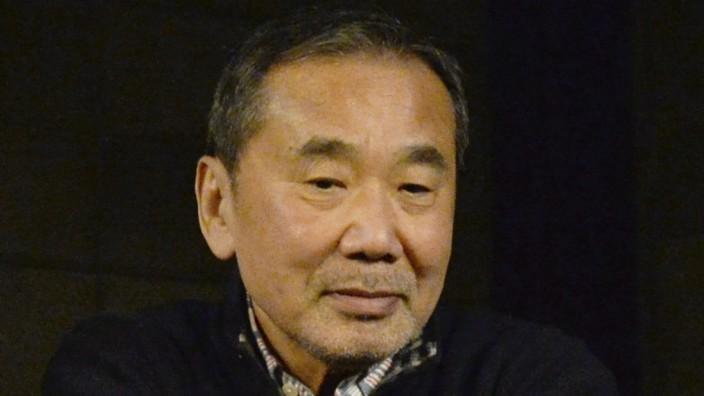 Haruki Murakami helps earthquake stricken area