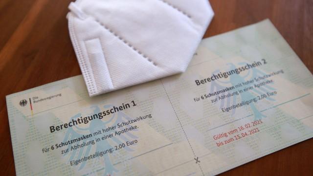 22.01.2021 Dortmund Senioren bekommen Berechtigungsscheine für FFP2 Masken. Jeweils sechs können pro Schein in den Apot