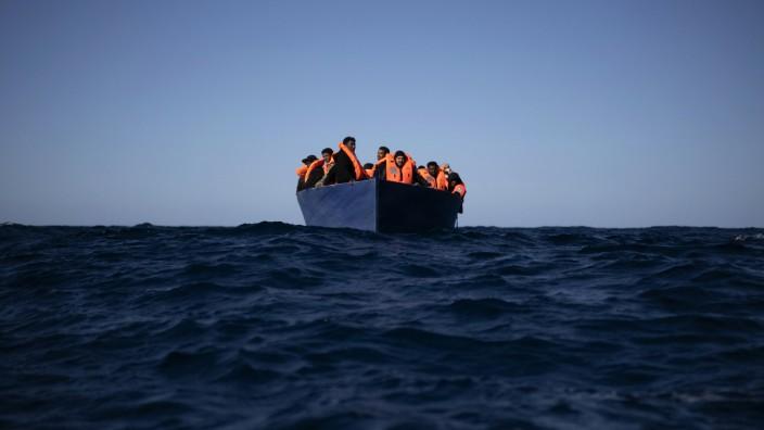 """Seenotretter der ´Open Arms"""" im Einsatz im Mittelmeer"""
