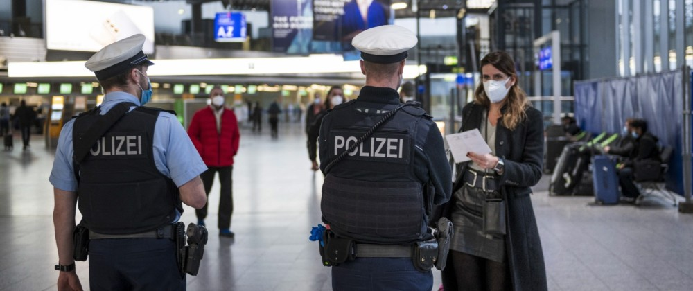 Kontrollen auf dem Frankfurter Flughafen