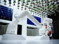 BESTPIX - Man Vs Machine At Barbican's 'AI: More Than Human' Exhibition