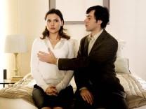 A KISS PLEASE, (aka UN BAISER S IL VOUS PLAIT), Virginie Ledoyen, Emmanuel Mouret, 2007. TFM Distribution/courtesy Evere