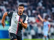 Champions League 2019/20 - Juventus vs Atletico Madrid - Allianz Stadium Turin - 26/11/2019 Sami Khedira of Juventus du