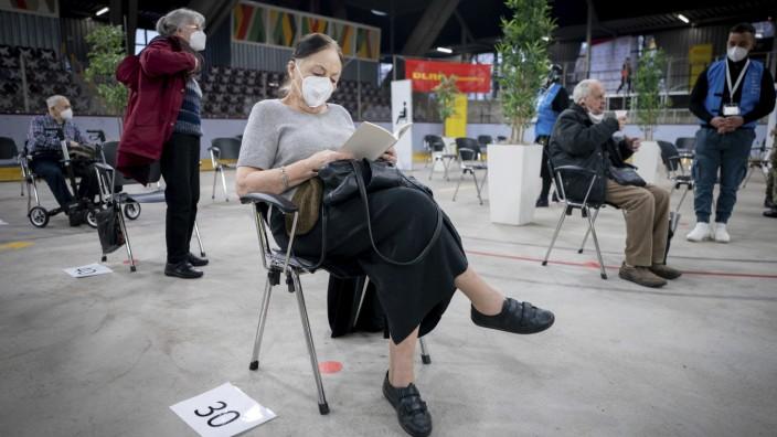 Coronavirus in Deutschland: Impfzentrum in Berlin