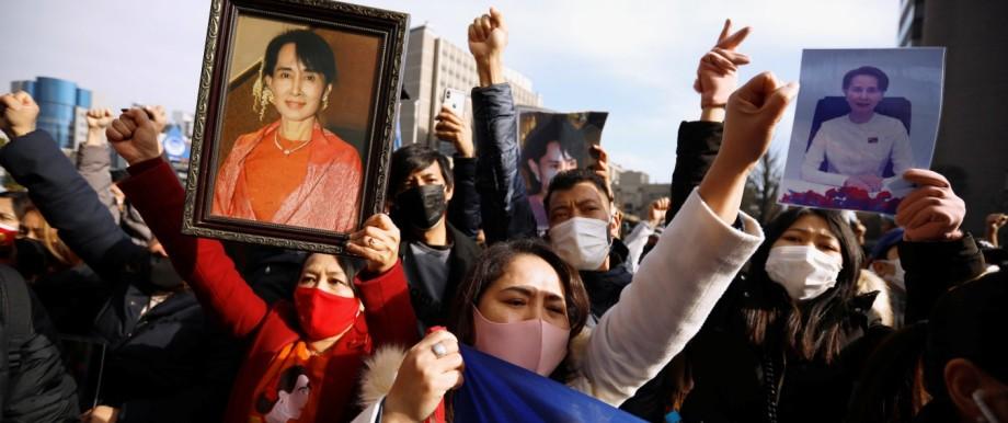 Myanmar: Demonstranten in Japan protestieren gegen den Militärputsch im Februar 2021