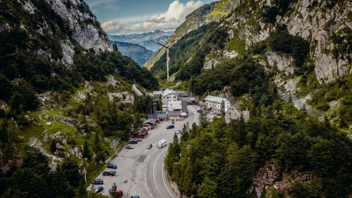 Timau THEMENBILD Grenzuebergang Italien nach Oesterreich Der Ploeckenpass 1357 m A ist eine