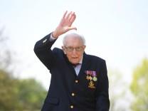 Großbritannien: Captain Tom nach Corona-Infektion gestorben