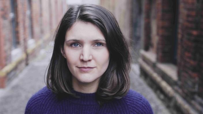 """Verena Keßlers Debüt """"Die Gespenster von Demmin"""": Verena Keßler, geboren 1988, ist Werbetexterin und seit ihrem Studium am Deutschen Literaturinstitut Leipzig freie Autorin."""