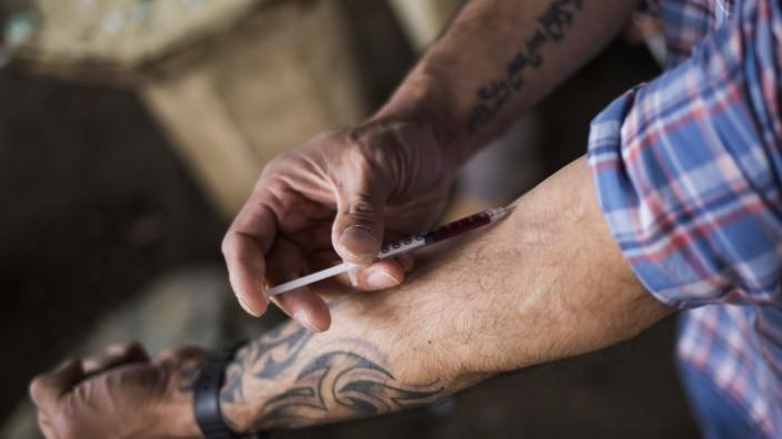 Inside the East Coast's Largest Heroin Market