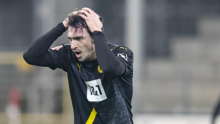 BVB: Mats Hummels und Thomas Delaney beim Spiel SC Freiburg gegen Borussia Dortmund