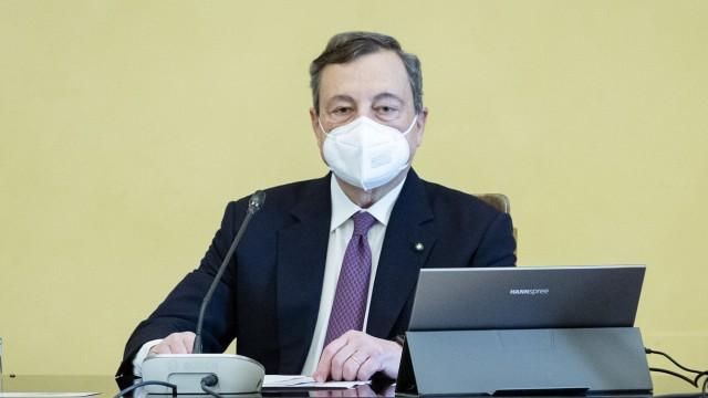 Roma, Mario Draghi durante le consultazioni con la Camera dei Deputati per formare un nuovo governo di immagine: Mario Draghi
