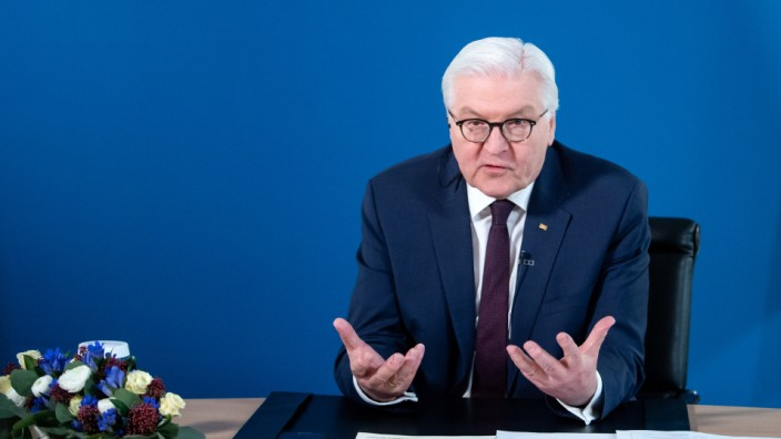 Bundespräsident Steinmeier spricht mit Betriebsräten
