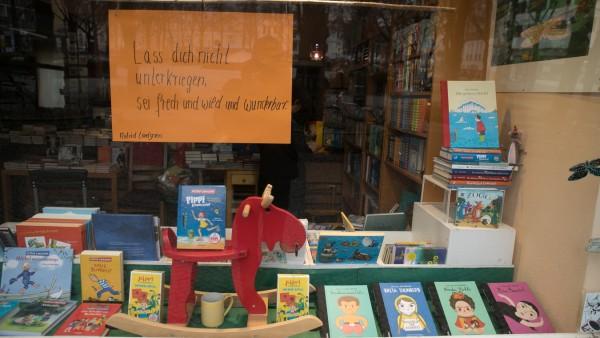 Schaufenster Hohenzollernplatz Buchhandlung