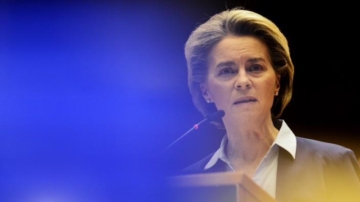 Corona-Impfungen: Ursula von der Leyen spricht während einer Debatte im EU-Parlament