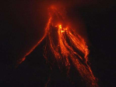 Vulkan Mayon;Reuters