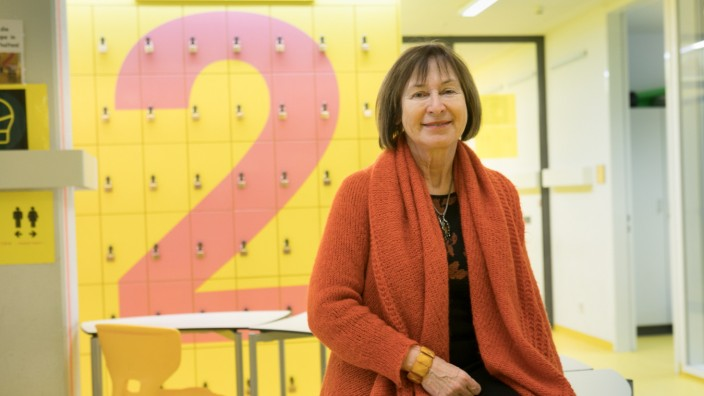 Regina Lotterschmid, Direktorin der Artur-Kutscher-Realschule, Gerastr. 6