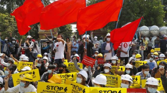 Nach dem Militärputsch in Myanmar - Proteste