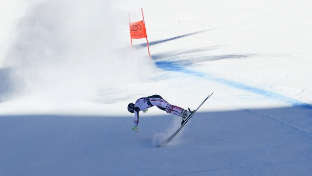 MUZATON Maxence FRA fall sequence during the men s downhill in Cortina d Ampezzo during 2021 FIS Alpine World SKI Champi