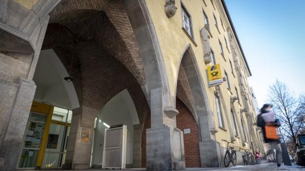 Schließung der Postbank-Filliale in der Agnesstraße in München