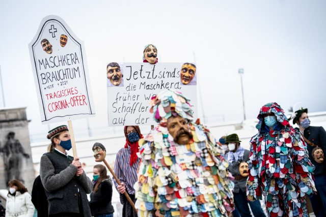 Demonstration gegen Maschkera-Verbot