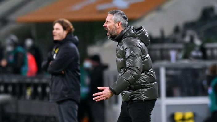 Cheftrainer Marco Rose (BMG), Cheftrainer Edin Terzic (BVB). Aktion Fussball, Bundesliga, Deutschland, Herren, Saison 2; x