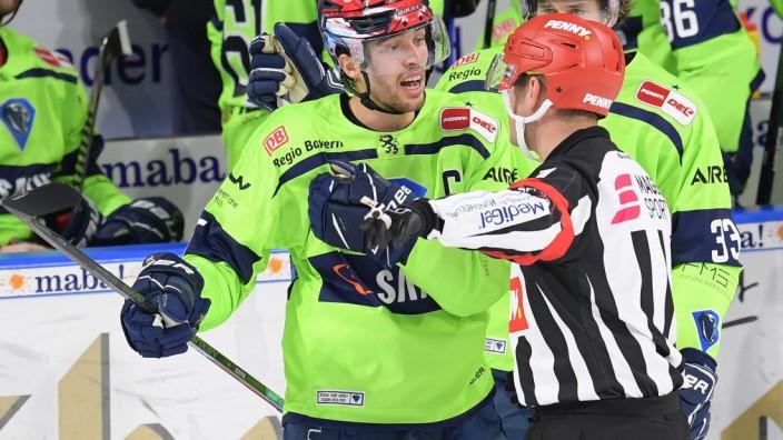 Eishockey, Herren, DEL, Saison 2020-2021, Adler Mannheim - ERC Ingolstadt, 15.02.2021 Fabio Wagner (Nr.5 - ERC Ingolsta