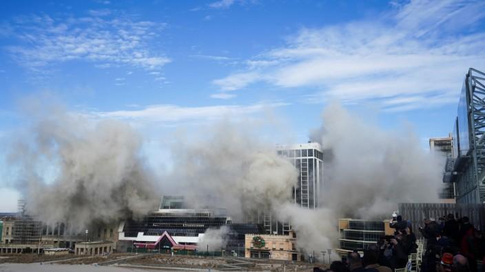 Demolition of Trump Plaza Casino in Atlantic City